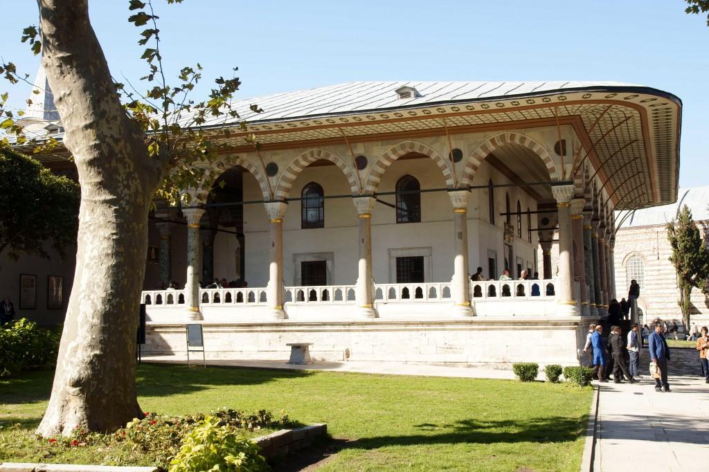 Bab-i-saadet, Royal Throne room