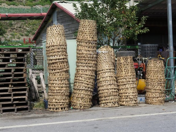 baskets used for harvesting cabbage