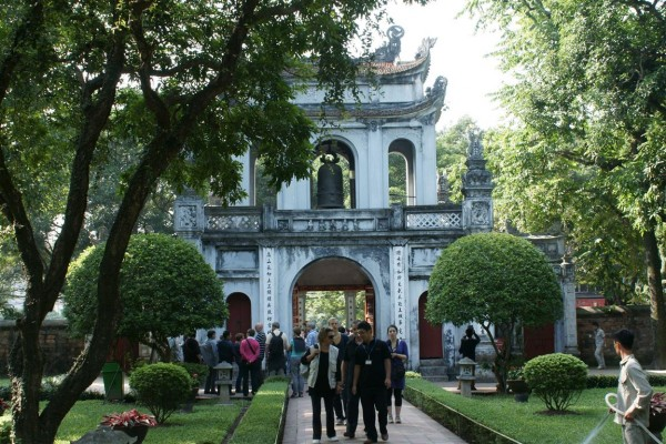 Hanoi, streets and museums